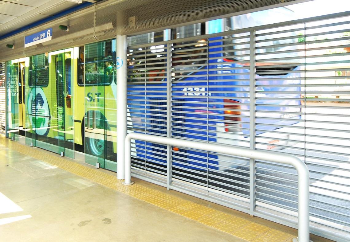bus rapid transit system sistema caracteristicas manusa puertas automaticas automatic doors