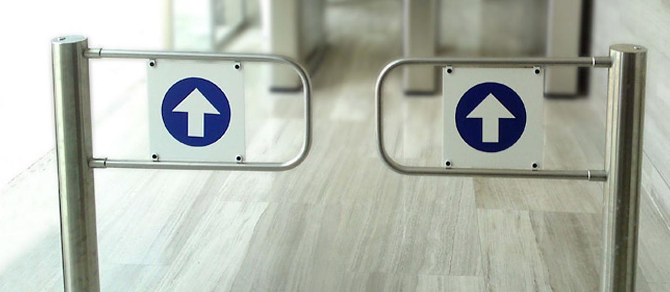 portillos motorizados batientes manusa control de acceso puerta automatica hinged motorized gates manusa automatic door access swing panels