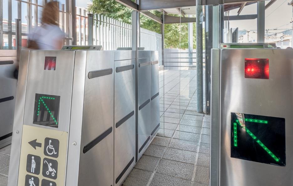 puertas validadoras transporte manusa entrada acceso validadora metro tren autobus validator doors transport entrance validator access metro train bus