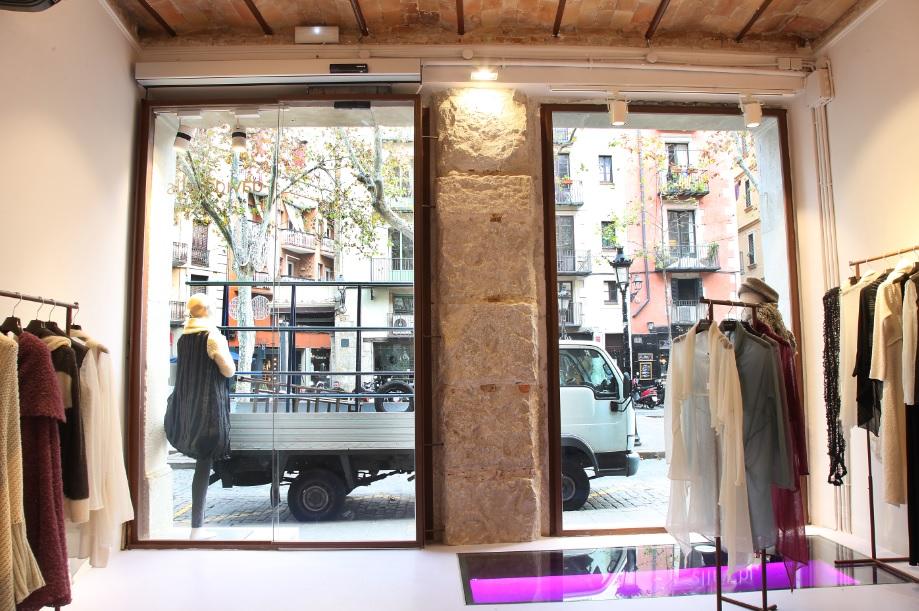 manusa barcelona tienda empresa motorizaciones puerta automatica