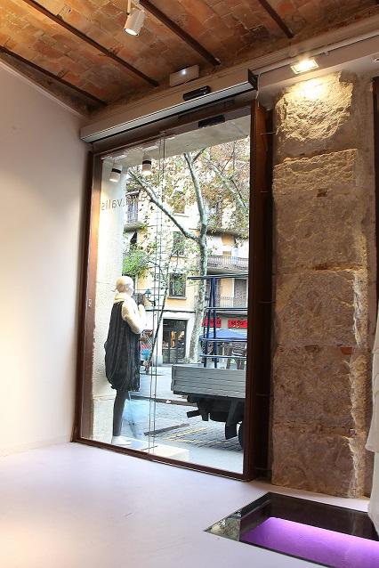 tienda boutique puerta automatica manusa shop barcelona automatic door motorizacion
