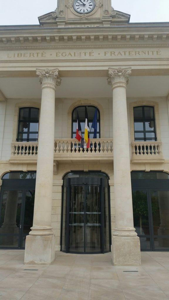 manusa edificio historico francia puertas automaticas