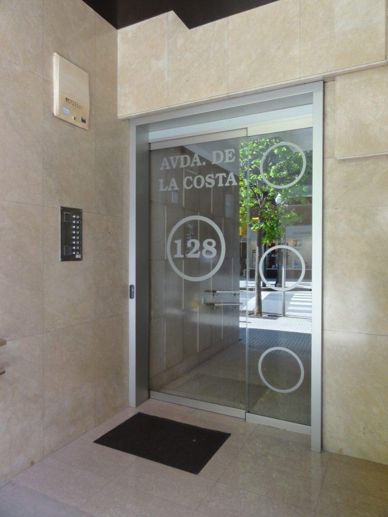 Habilita Estudio asturias puerta automatic